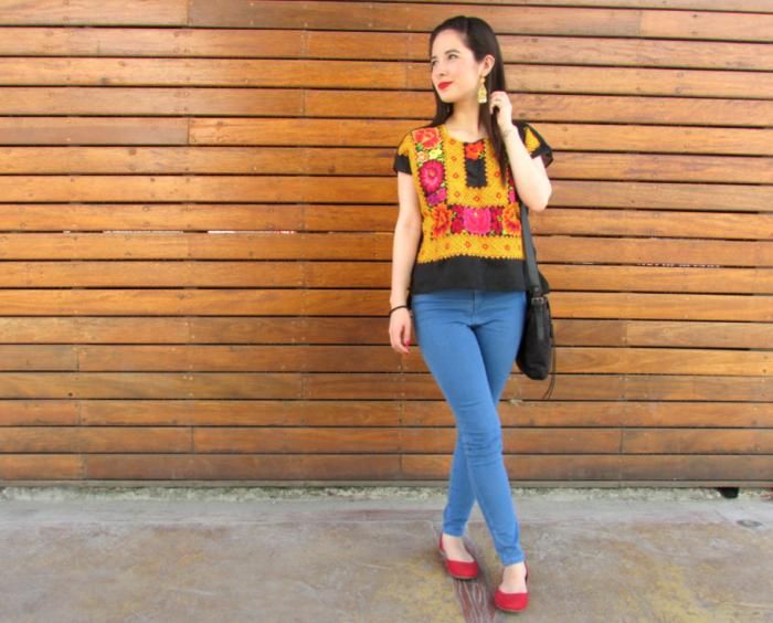 amanoarte-mexico-a-colores-outfit-artesanal-oaxaca-huipil-tehuana-1